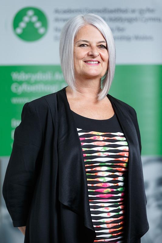 Dr Sue Davies profile photo